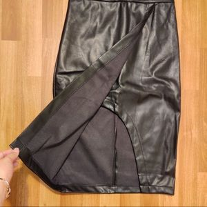 Forever 21 Skirts - Forever 21 Black Faux Leather Pencil Skirt